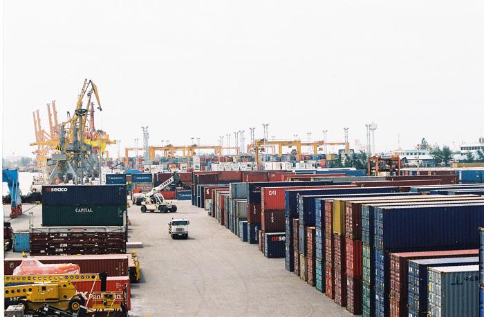 Hàng tồn tại cảng phải được xử lý trong vòng 6 tháng