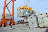 Hàng thông qua cảng biển tăng hơn 13%